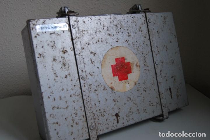 Antigüedades: BOTIQUÍN ESCOLAR SANS - PRIMARIA - MALETA DE METAL - MALETÍN - COLEGIO - ESCUELA - Foto 8 - 229611330