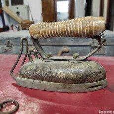 Antigüedades: ANTIGUA PLANCHA ELECTRICA. Lote 230036865