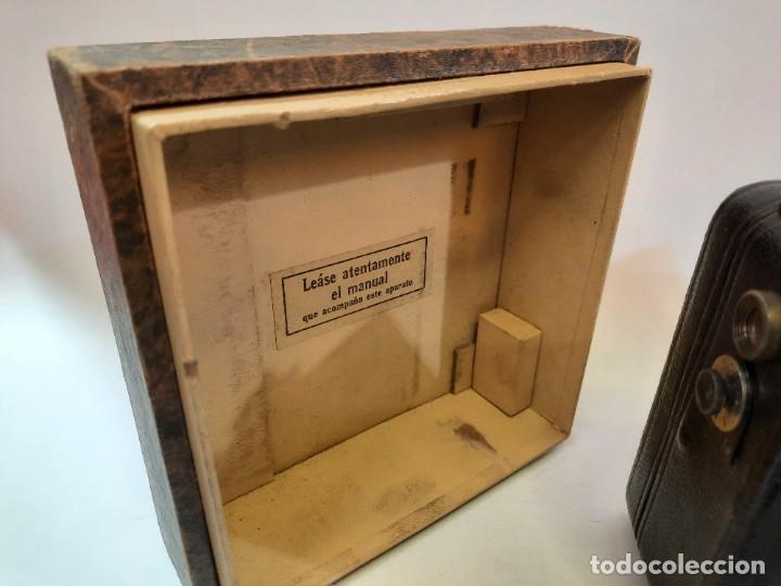 Antigüedades: Tomavistas Pathé, películas, caja e instrucciones. Impecable. - Foto 5 - 230199710