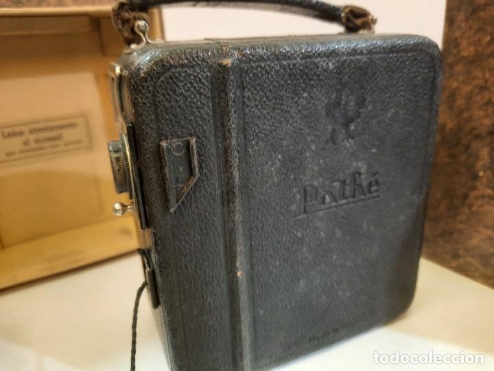 Antigüedades: Tomavistas Pathé, películas, caja e instrucciones. Impecable. - Foto 8 - 230199710