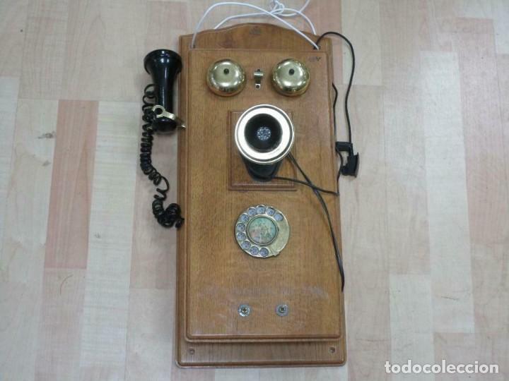 MURAL MAGNIFICO Y GRAN TELÉFONO MADERA VINTAGE AÑOS 70-80 FUNCIONANDO IMITA A AÑOS 1900 56X26 CM. (Antigüedades - Técnicas - Teléfonos Antiguos)