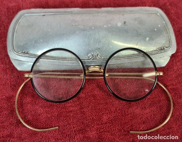 GAFAS ESTILO MODERNISTA. MONTURA CHAPADA EN ORO. MARCAS EN EL PUENTE. SIGLO XX. (Antigüedades - Técnicas - Instrumentos Ópticos - Gafas Antiguas)