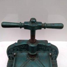 Antiquités: PRENSA IMPRENTA PARA ENCUADERNAR LIBROS HIERRO FUNDIDO ANTIGUA. Lote 230378300