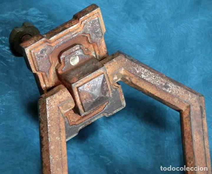 Antigüedades: ANTIGUA E IMPRESIONANTE ALDABA - FORMA HEXAGONAL - HIERRO - LLAMADOR DE PUERTA - GRANDE - RARO - Foto 2 - 230620120