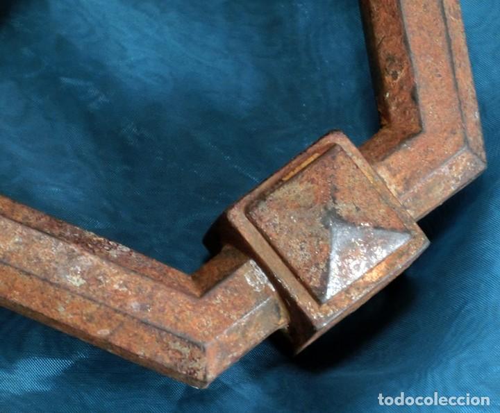 Antigüedades: ANTIGUA E IMPRESIONANTE ALDABA - FORMA HEXAGONAL - HIERRO - LLAMADOR DE PUERTA - GRANDE - RARO - Foto 4 - 230620120