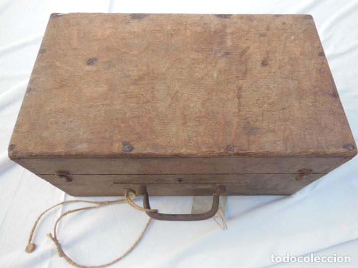 Antigüedades: TEODOLITO ANTIGUO (Sin marca) en su caja original. - Foto 4 - 230719645