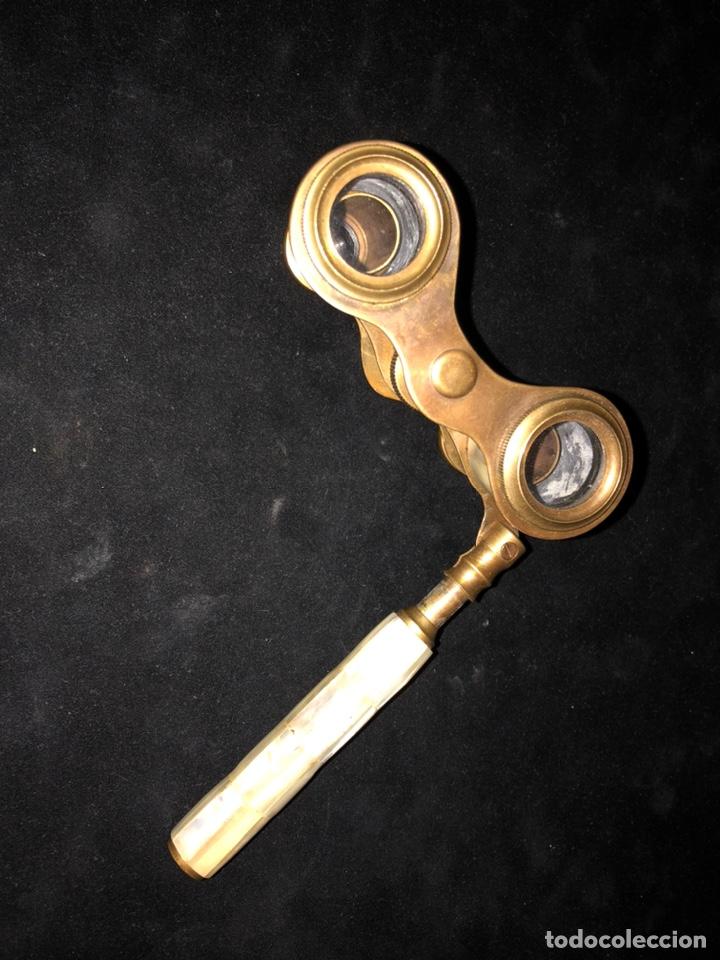 Antigüedades: Antiguos binoculares-anteojos de opera en bronce y nácar. - Foto 2 - 230888335