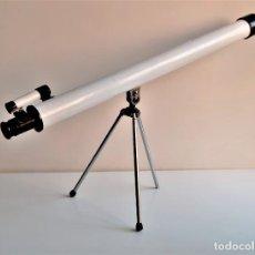 Oggetti Antichi: TELESCOPIO CON TRIPODE - 62.CM LARGO X 30.CM ALTO. Lote 230924755