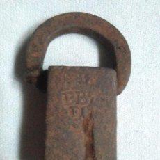 Antiquités: ANTIGUA PESA CATALANA SELLADA INICIALES (UNA CARA) Y DIBUJOS O ADORNOS(OTRA CARA).200GRS.PONDERAL. Lote 230960110