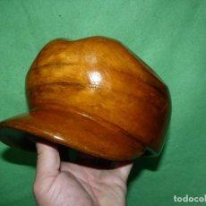 Antigüedades: GENIAL MOLDE HORMA SOMBRERO MADERA ORIGINAL MANIQUI INDUSTRIAL AÑOS 50 COLECCION. Lote 231072640
