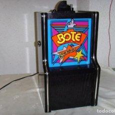 Antigüedades: MAQUINA ELECTRONICA DE BOTE PARA BARES. Lote 231406580