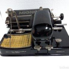 Antigüedades: ANTIGUA MAQUINA DE ESCRIBIR, TYPEWRITER MIGNON. Lote 231441520