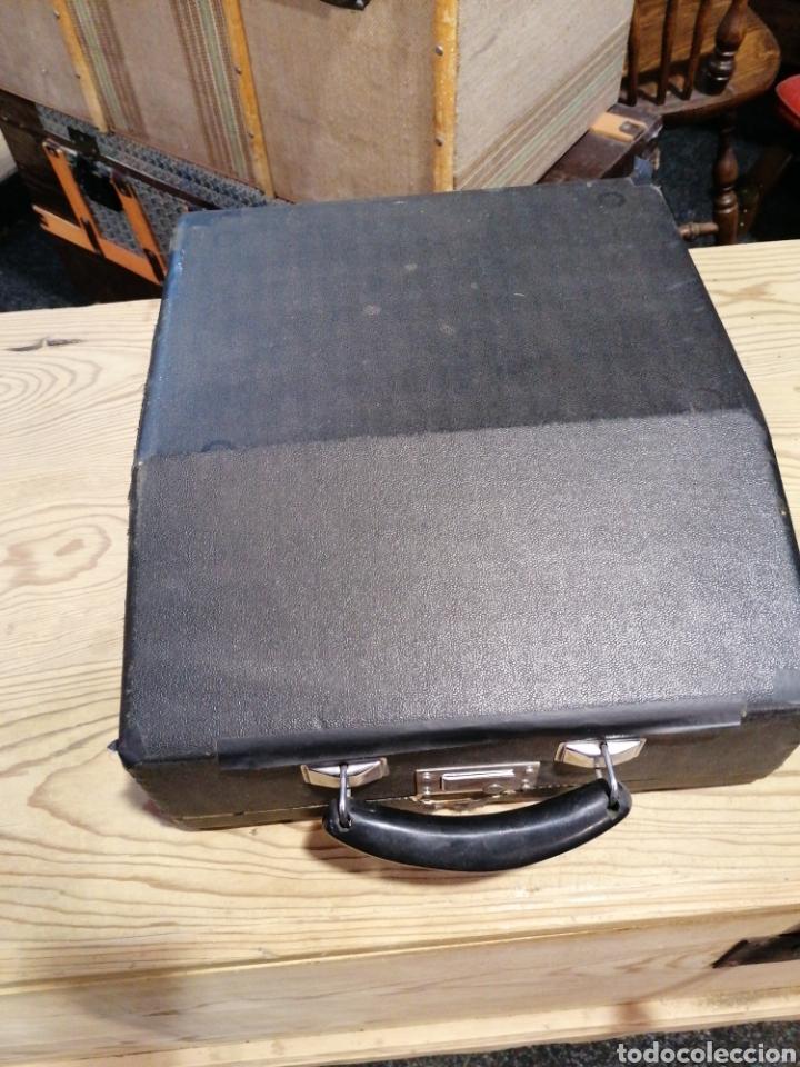 Antigüedades: Máquina de escribir funcionando en buen estado con señales - Foto 5 - 231494685