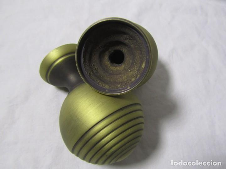 Antigüedades: 2 pomos tiradores de bronce - Foto 5 - 231611895