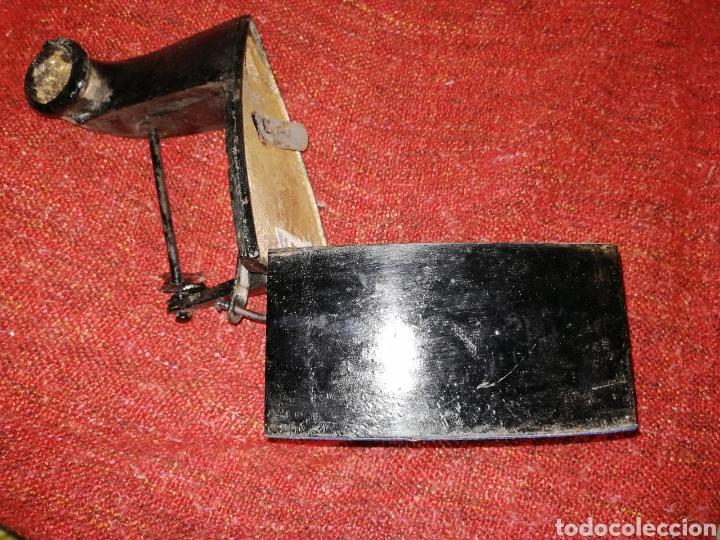 Antigüedades: PLANCHA DE CARBON CON CHIMENEA. ES DE HIERRO . ENVIO CERTIFICADO INCLUIDO. - Foto 4 - 231726785