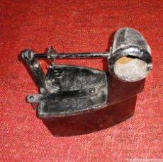 Antigüedades: PLANCHA DE CARBON CON CHIMENEA. ES DE HIERRO . ENVIO CERTIFICADO INCLUIDO.. Lote 231726785