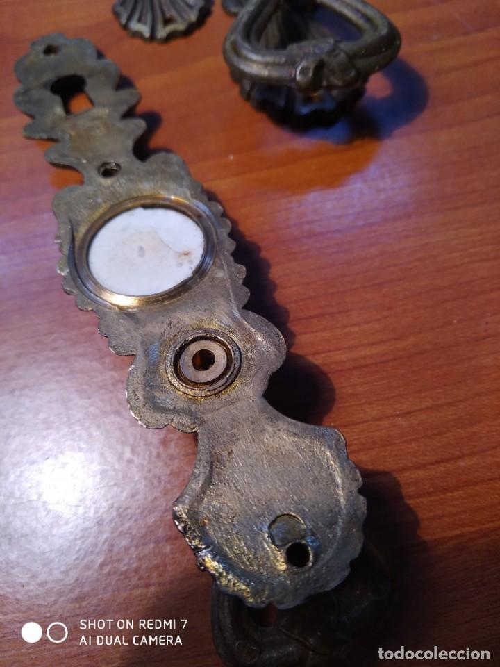 Antigüedades: 8 Tiradores bronce porcelana - Foto 8 - 231995405