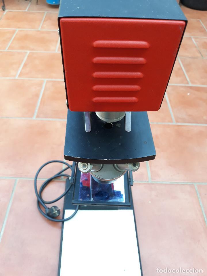 Antigüedades: Microscopio proyector - Foto 2 - 232261355