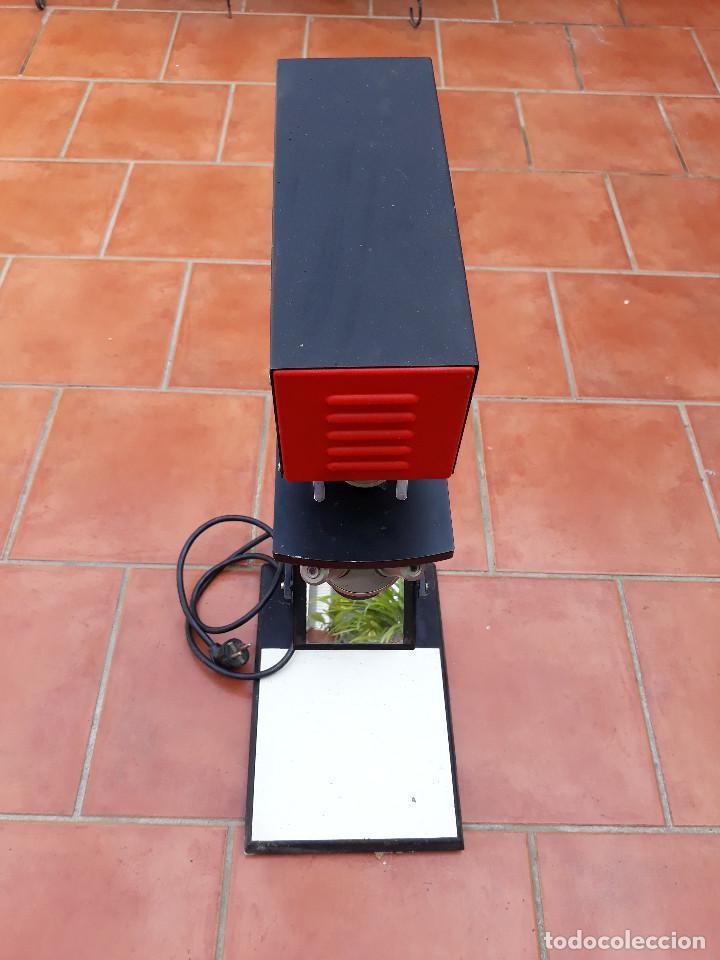 Antigüedades: Microscopio proyector - Foto 4 - 232261355