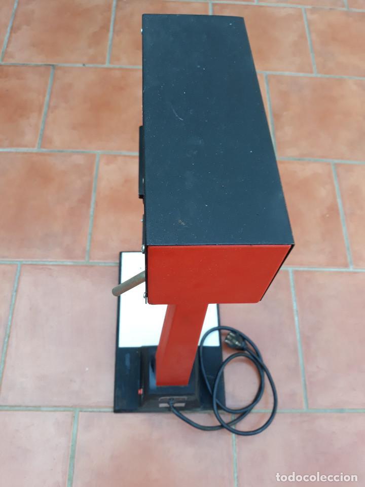 Antigüedades: Microscopio proyector - Foto 6 - 232261355