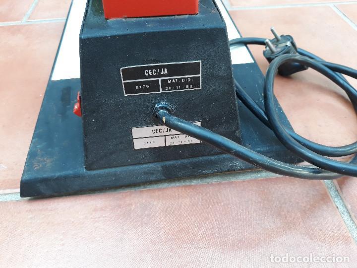 Antigüedades: Microscopio proyector - Foto 8 - 232261355