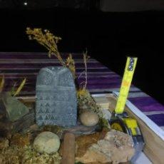 Antigüedades: ÍDOLO BUO Y DOLMEN,PRECIOSA MAQUETA DE 28×20 CM.. Lote 232339385