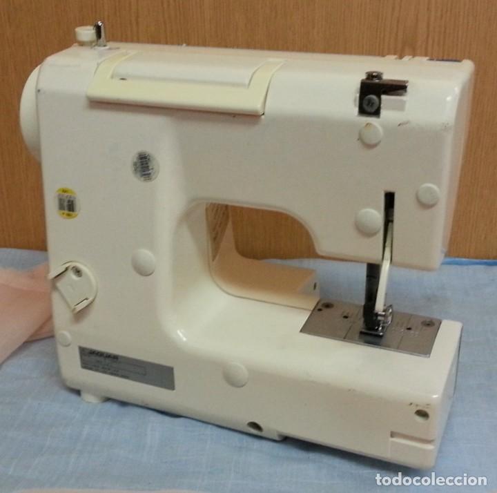 Antigüedades: Máquina de coser Werthein. Años 90. - Foto 5 - 232432965