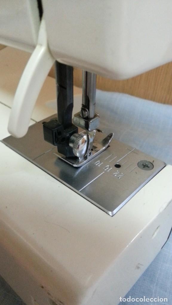 Antigüedades: Máquina de coser Werthein. Años 90. - Foto 6 - 232432965