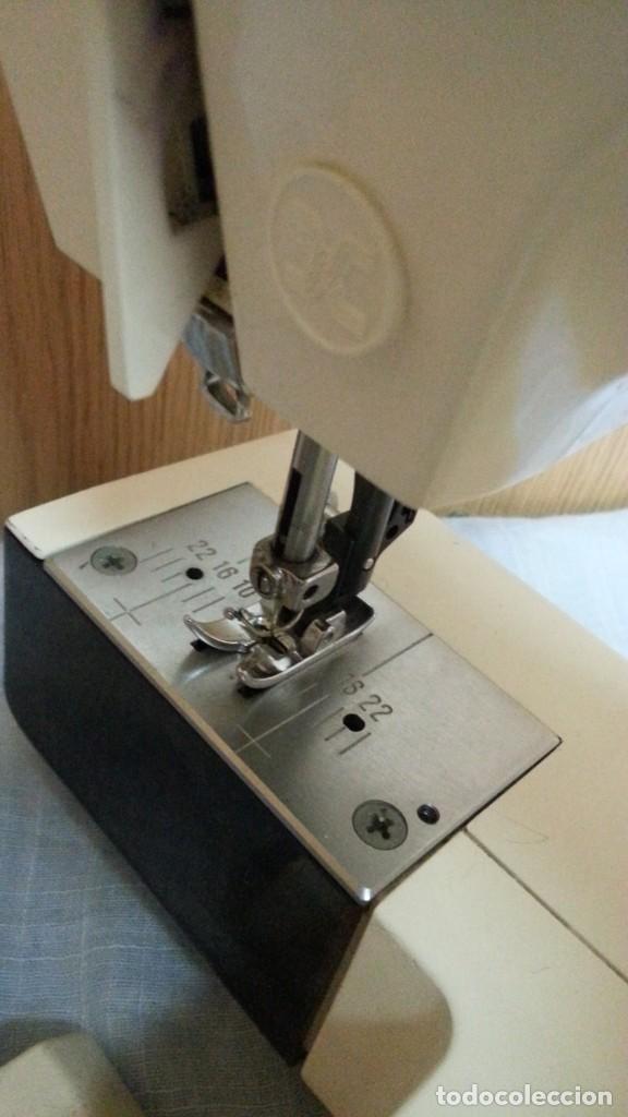 Antigüedades: Máquina de coser Werthein. Años 90. - Foto 9 - 232432965