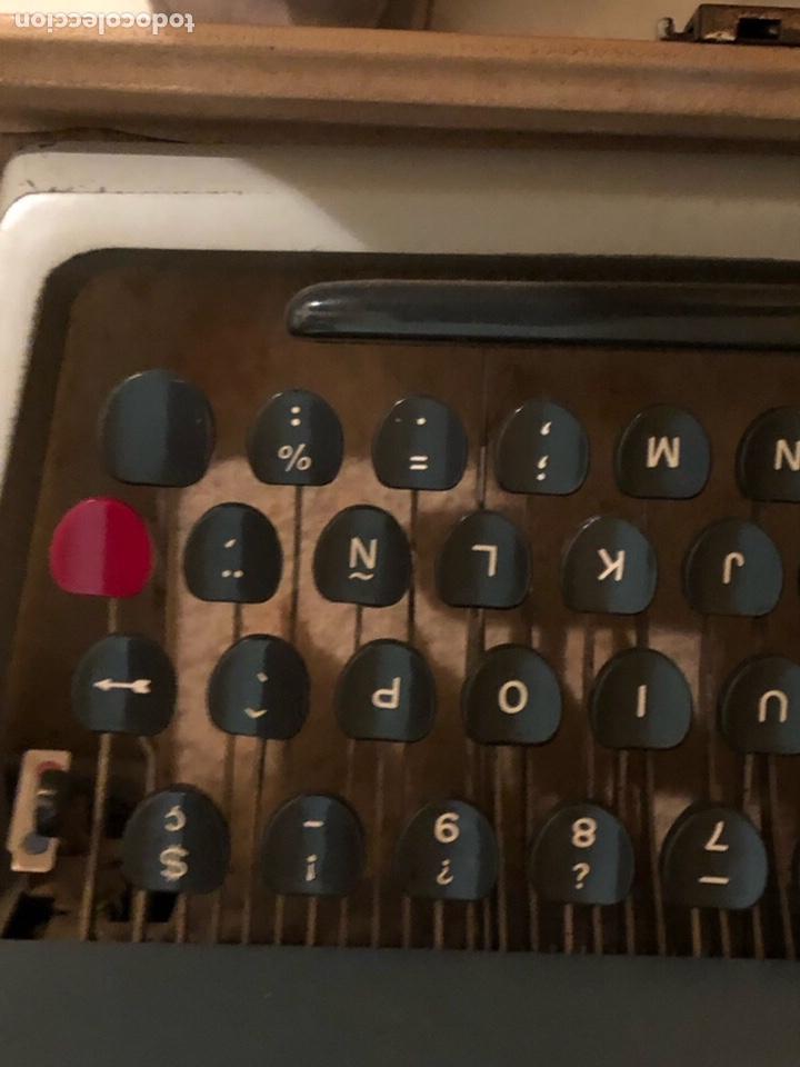 Antigüedades: Lote de 2 máquinas de escribir antiguas - Foto 4 - 232441655