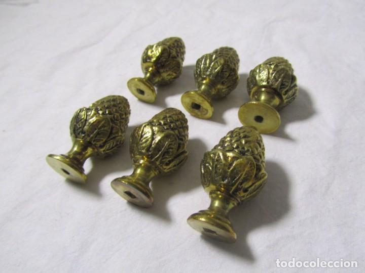 Antigüedades: 6 pomos remates de bronce en forma de piña - Foto 3 - 232499865