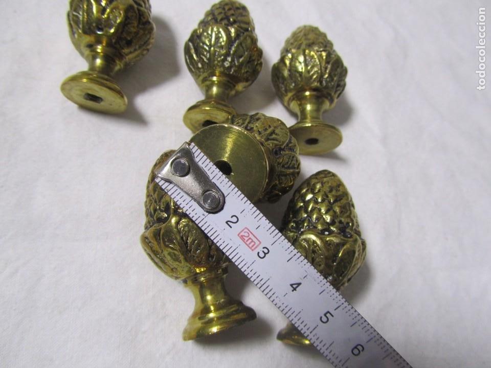 Antigüedades: 6 pomos remates de bronce en forma de piña - Foto 6 - 232499865