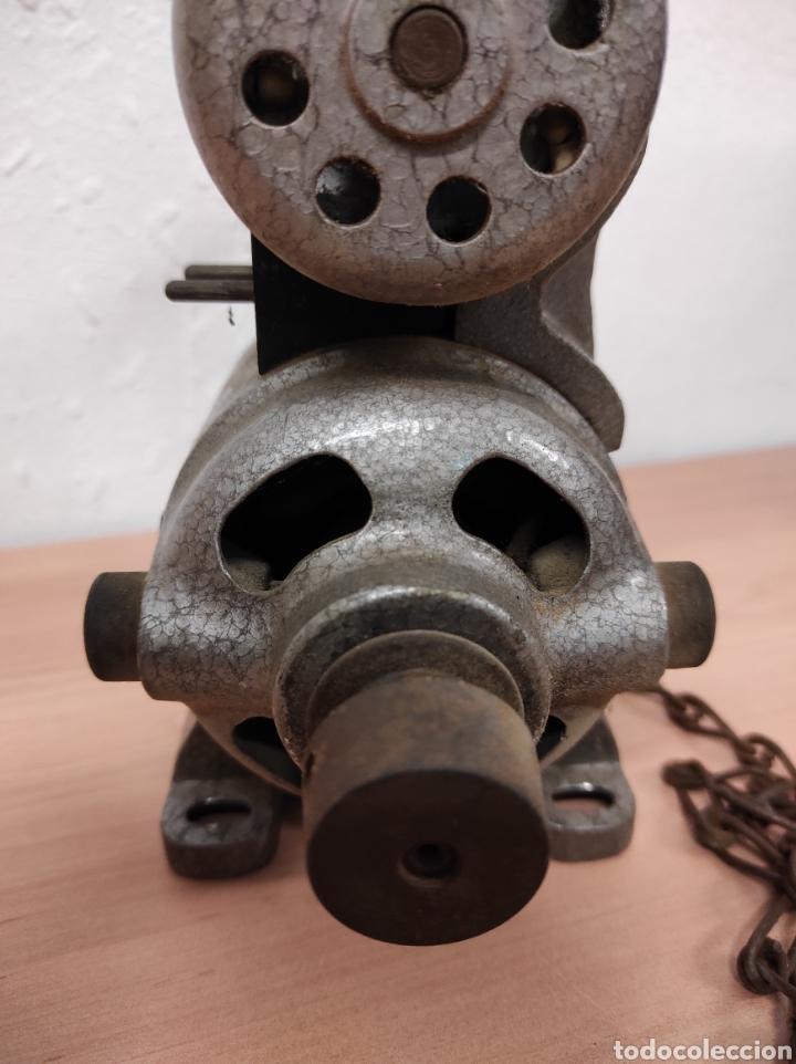Antigüedades: Motor máquina de coser - Foto 3 - 232617960