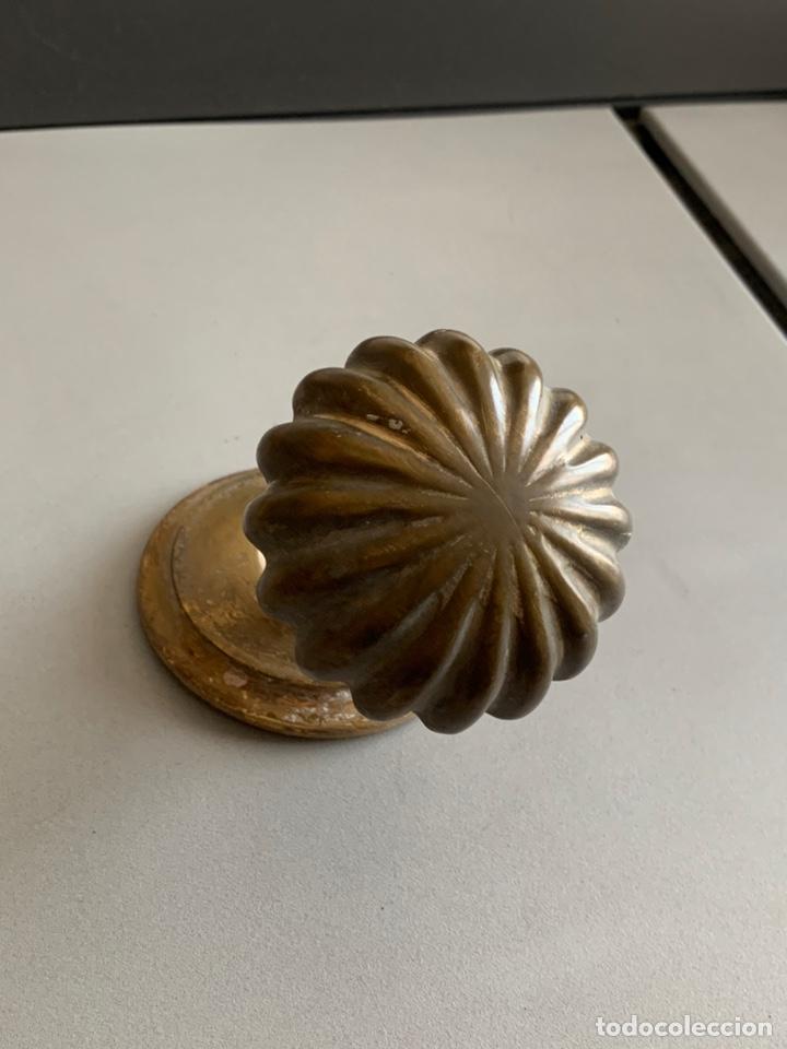 Antigüedades: Antiguo Tirador de Bronce. Decorado - Foto 2 - 232804055