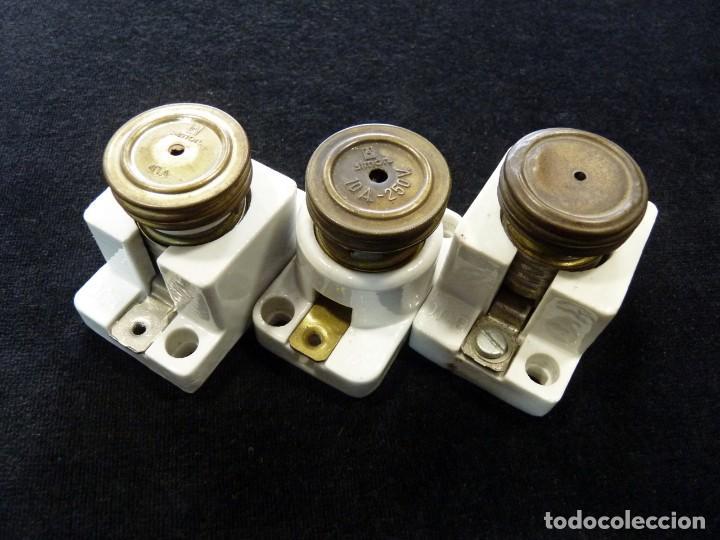 LOTE DE 3 FUSIBLES DE PORCELANA SIMÓN 10 AMP. (17) (Antigüedades - Técnicas - Herramientas Profesionales - Electricidad)