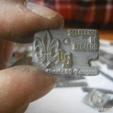 Antigüedades: MOLDE DE UNA VIEJA IMPRENTA, AÑOS 50,60. SELECCION DE REGALOS, LIS (ZARAGOZA). Lote 232957260