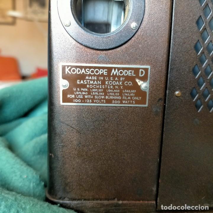Antigüedades: PROYECTOR CINE KODASCOPE MOD. D. USA. EASMAN KODAK CO.COMPLETO BOBINA 16MM CAJA ORIGINAL MADERA - Foto 5 - 232979125