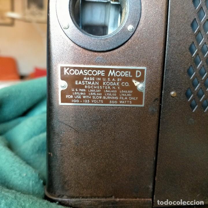 Antigüedades: PROYECTOR CINE KODASCOPE MOD. D. USA. EASMAN KODAK CO.COMPLETO BOBINA 16MM CAJA ORIGINAL MADERA - Foto 15 - 232979125