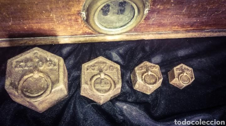 Antigüedades: ENORME BÁSCULA BALANZA PLATOS COBRE, MÁRMOL Y MADERA, PLATOS MARCADOS, 56 CM LONGITUD! - Foto 6 - 233029860