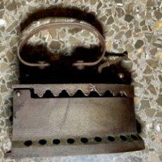 Antigüedades: ANTIGUA PLANCHA DE HIERRO. Lote 233031975