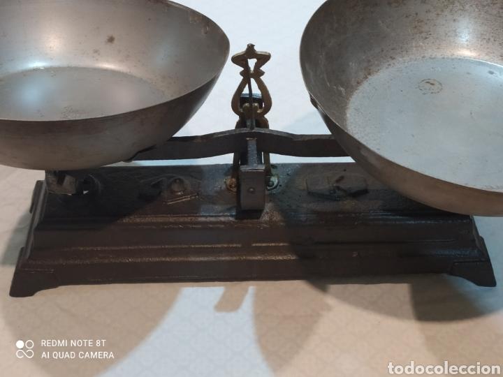 Antigüedades: Muy antigua balanza de 10 kilos con platos muy pesada - Foto 2 - 233043290