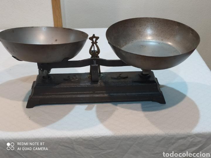 MUY ANTIGUA BALANZA DE 10 KILOS CON PLATOS MUY PESADA (Antigüedades - Técnicas - Medidas de Peso - Balanzas Antiguas)