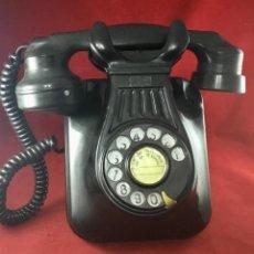 Teléfonos: ANTIGUO TELÉFONO BAQUELITA 5522A, DE STANDARD ELÉCTRICA, PARA LOS ABONADOS DE LA CTNE. Lote 233082225