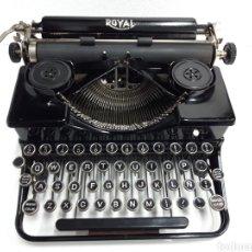 Antigüedades: ANTIGUA MAQUINA DE ESCRIBIR, TYPEWRITER ROYAL. Lote 233123160