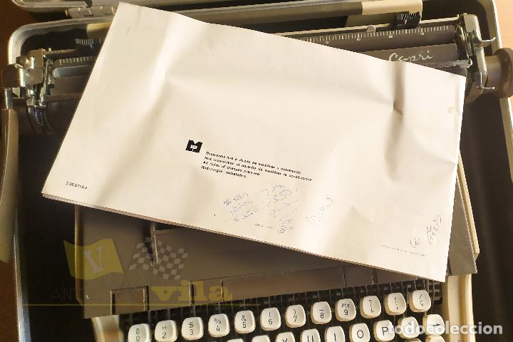 Antigüedades: Maquina de escribir portatil CAPRI - con maletin de transporte original y con llave - Foto 11 - 233255530
