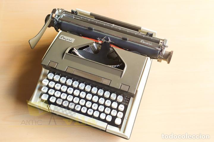 Antigüedades: Maquina de escribir portatil CAPRI - con maletin de transporte original y con llave - Foto 12 - 233255530