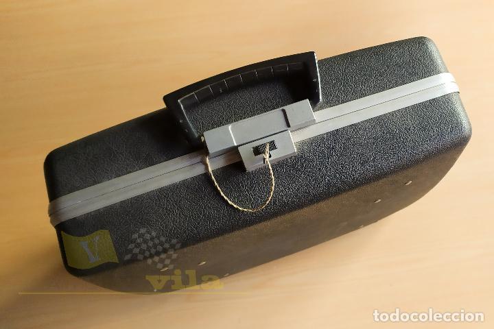 Antigüedades: Maquina de escribir portatil CAPRI - con maletin de transporte original y con llave - Foto 14 - 233255530