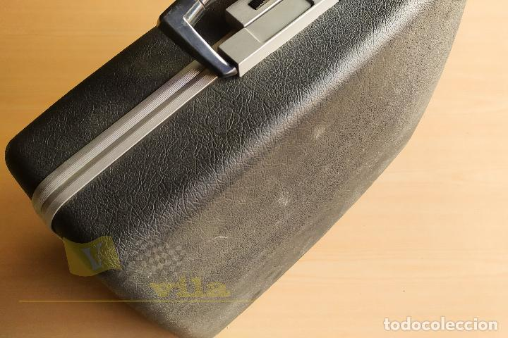 Antigüedades: Maquina de escribir portatil CAPRI - con maletin de transporte original y con llave - Foto 16 - 233255530