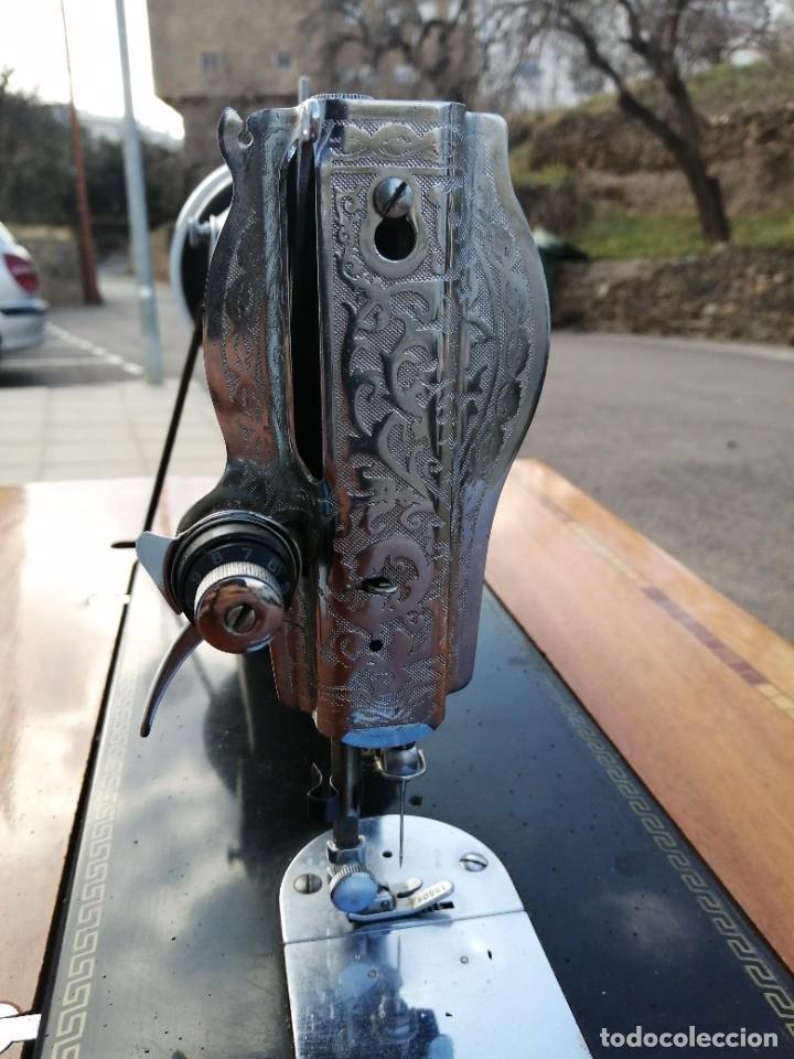 Antigüedades: Maquina antigua de coser ALFA con pie mesa pedal hierro - Foto 4 - 233448685