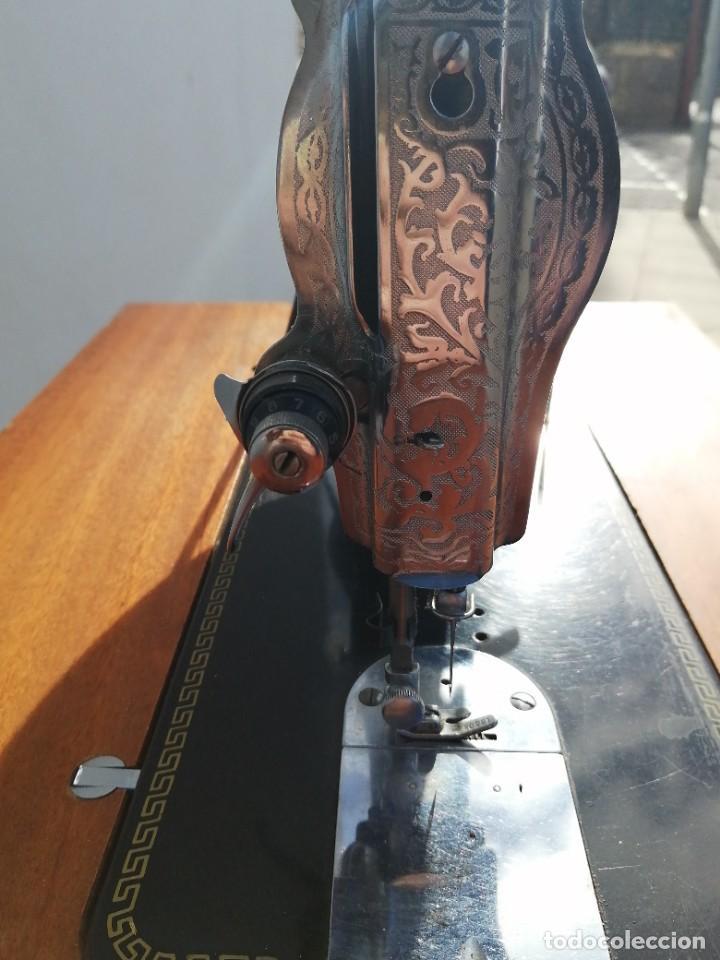 Antigüedades: Maquina antigua de coser ALFA con pie mesa pedal hierro - Foto 12 - 233448685